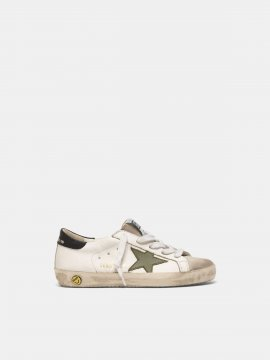 Superstar sneakers with an army green star and black heel tab